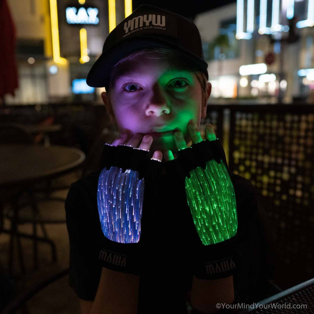 light gloves for kids and teens