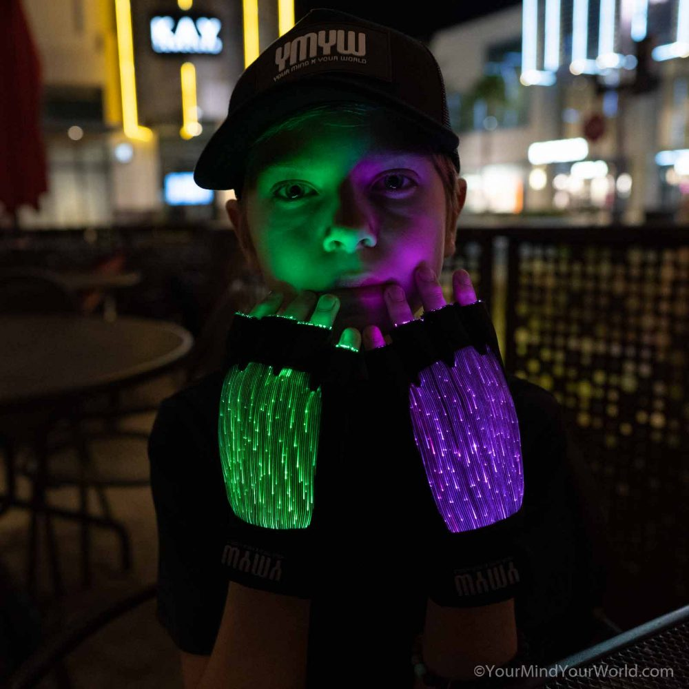 light gloves for teens