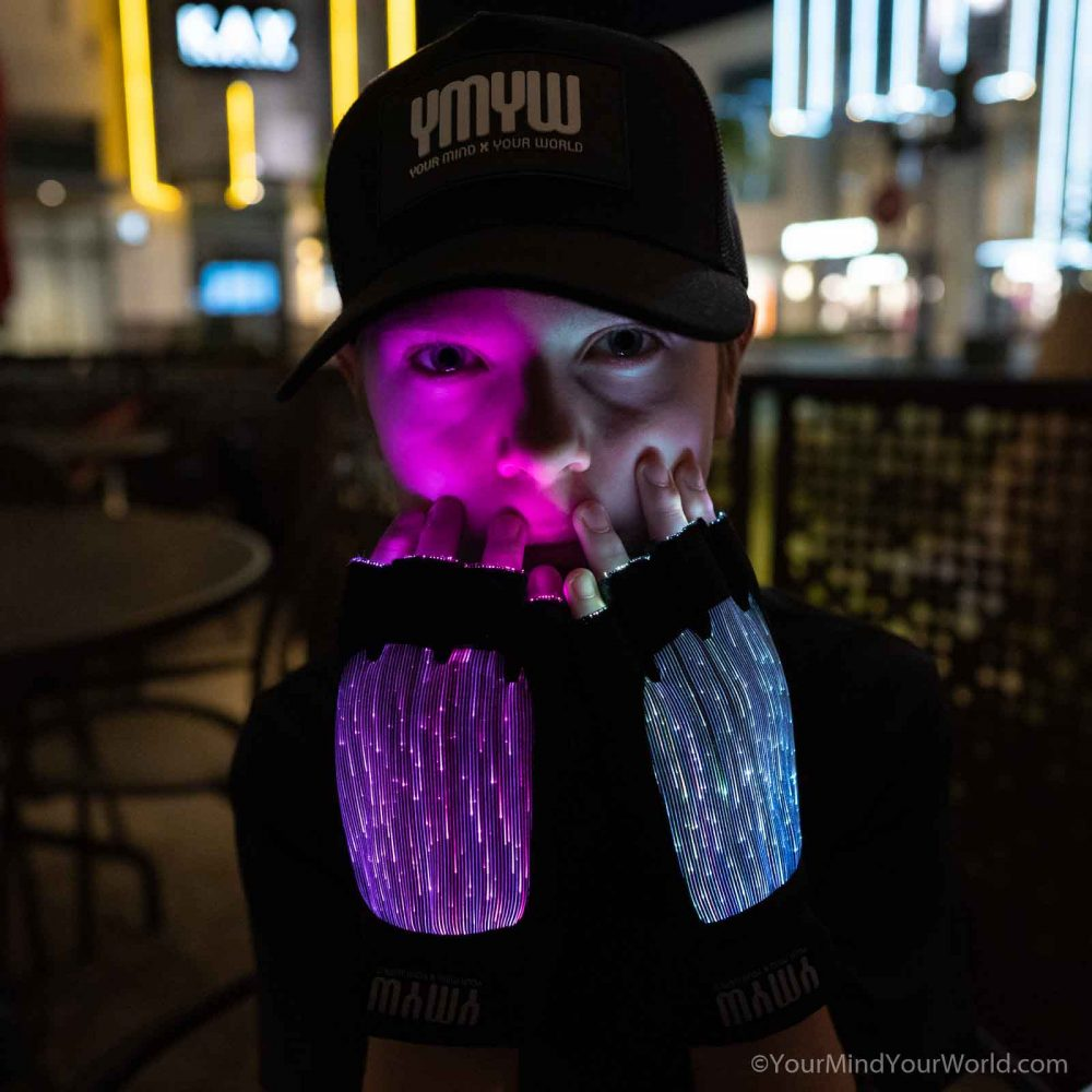 LIGHT UP GLOVES for TEENS and KIDS